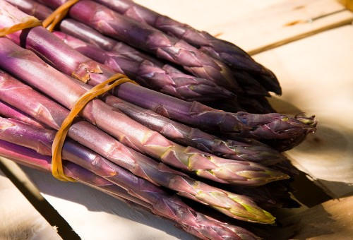 Sosteniamo gli agricoltori con una scorpacciata di asparagi!