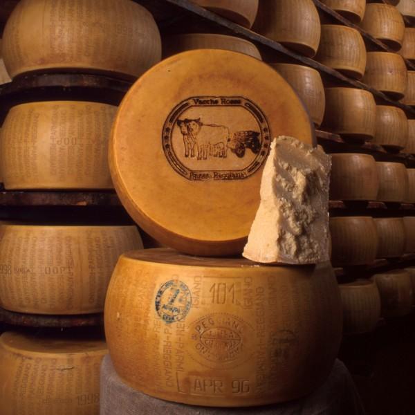 Il Parmigiano Reggiano si conferma il primo prodotto Dop: cresce all'estero.