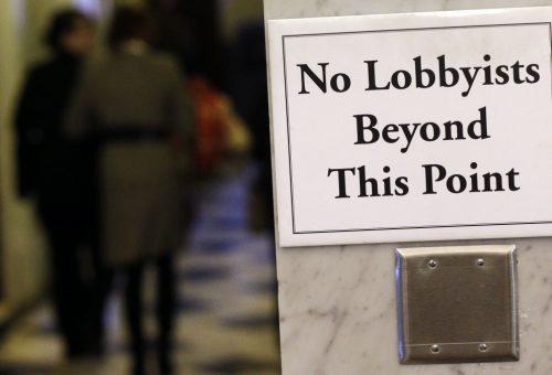L'Europarlamento caccia i lobbisti Monsanto