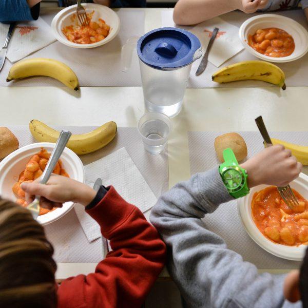 Ritorno a scuola e alla mensa, ecco perché diciamo no alle mono porzioni